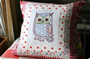 sometimescrafter-owl-pillow.jpg