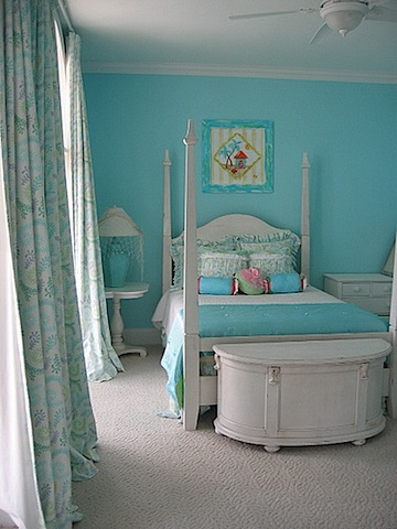 Your Au Pair\'s Room: What size bed does she need?